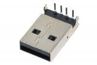 USB A UROSLIITIN PIIRILEVYLLE
