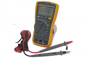 Fluke 117 DIGITAL MULTIMETER (TrueRMS)