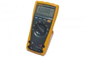 Fluke 175 DIGITAL MULTIMETER (TrueRMS)