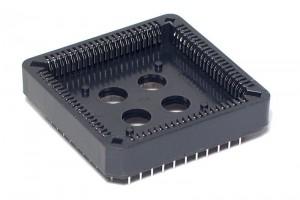 PLCC-KANTA 84-NAPAINEN